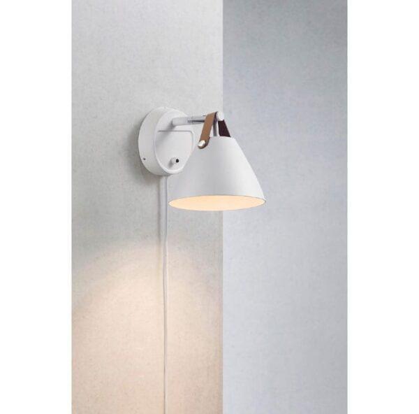 strap-hvid-15-vaeglampe-brun-strap