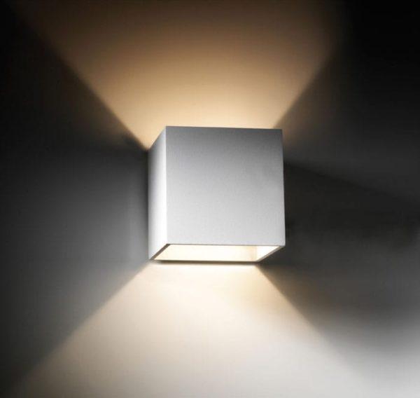 light-point-square-vaeglampe-hvid
