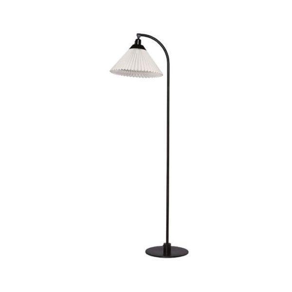 le-klint-368-gulvlampe-sort
