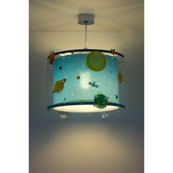 loftlampe-med-planeter