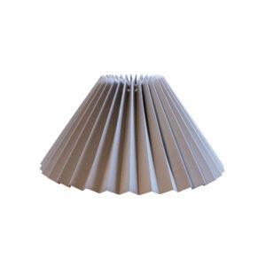 plisse-lampeskaerm-lysegraa-flere-stoerrelser